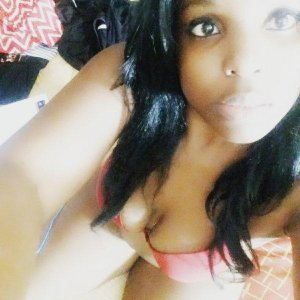 Chenda call girls in River Grove IL