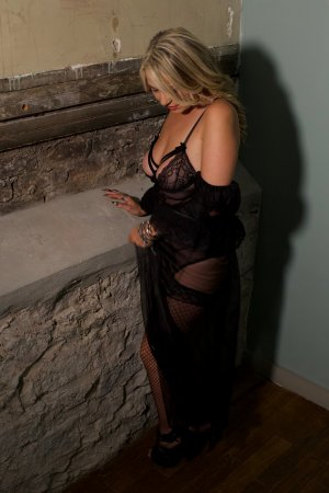 Souaade mature escort girls