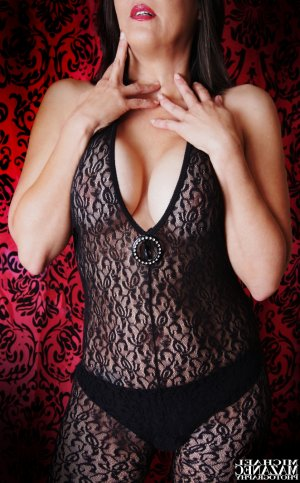 Feeling mature live escort