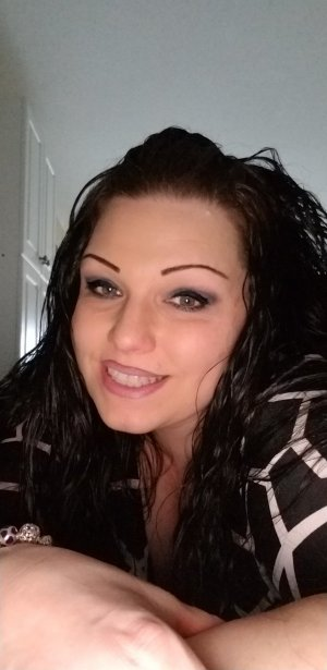 Chelsy outcall escort in Pell City AL